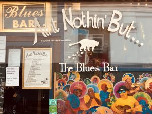 Window of the Ain't Nothin But Blues Bar in Soh