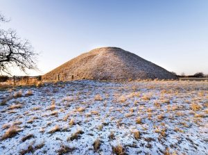 Silbury Hill, Avebury (c) English Heritage